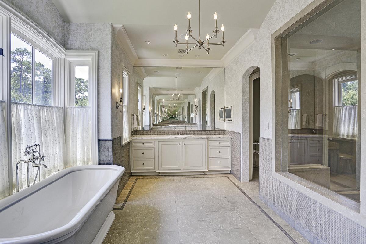 325 W Friar Tuck Lane luxury properties