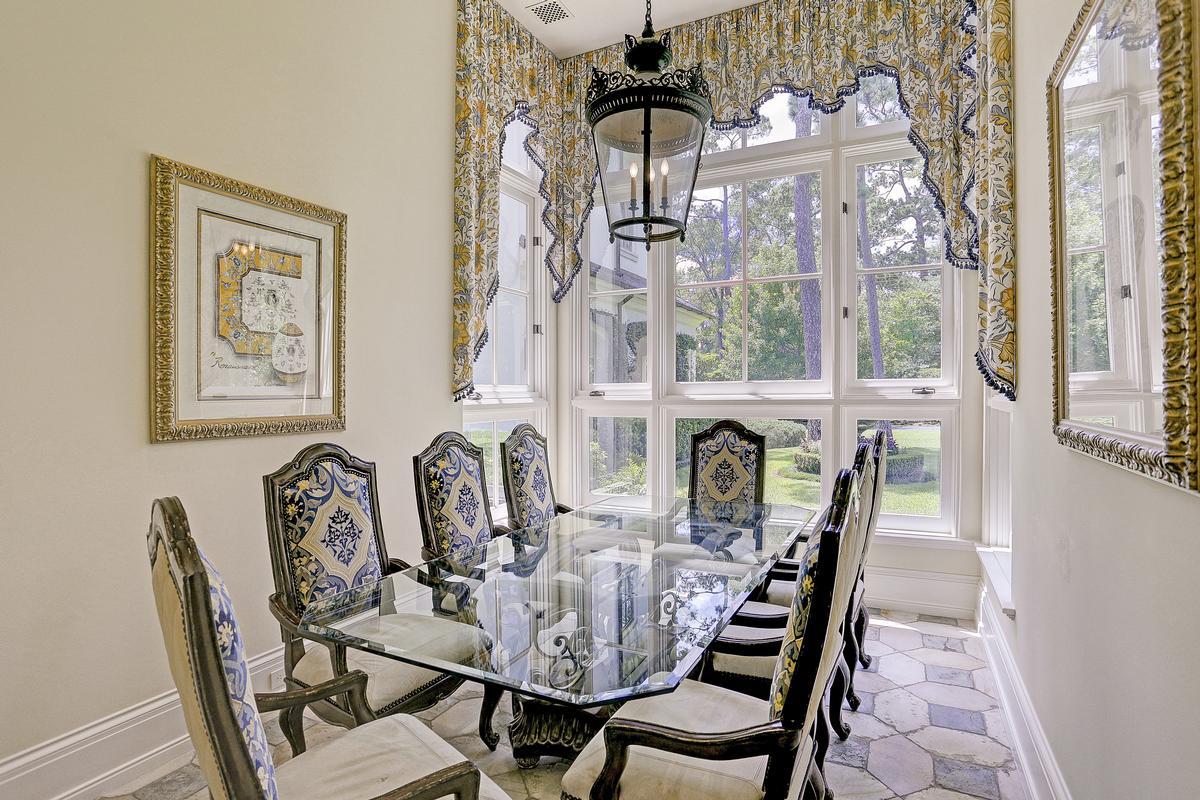 325 W Friar Tuck Lane luxury homes