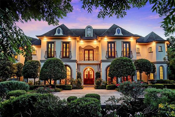 LARGE LUXURY ESTATE IN POPULAR PINEY POINT   Texas Luxury Homes   Mansions  For Sale   Luxury Portfolio
