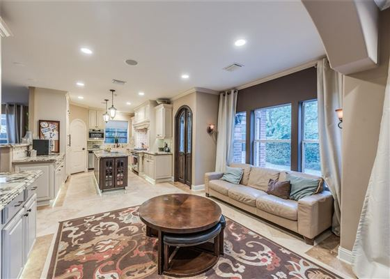 Custom Residence Located in the Heart of Bellaire luxury properties