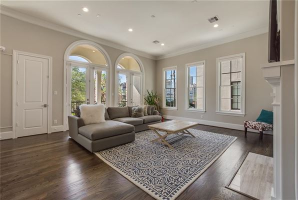 elegant newer home in great location mansions