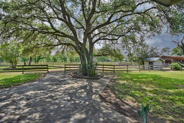 Luxury properties Rare Opportunity to live on Wildlife Circle