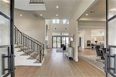 Mansions Welcome Home to elegance