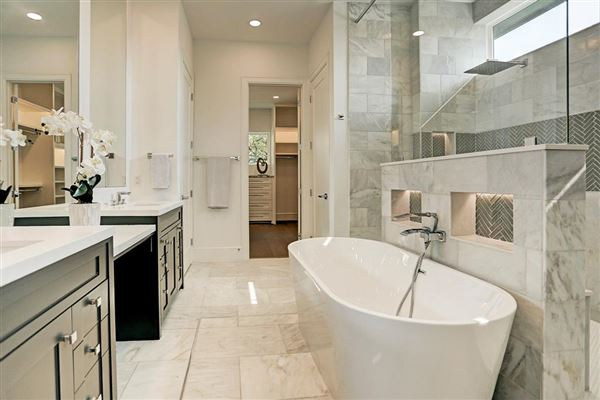 Luxury real estate Welcome Home to elegance