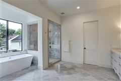 Luxury real estate gorgeous NEW CONSTRUCTION in Southampton
