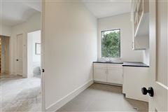 gorgeous NEW CONSTRUCTION in Southampton luxury properties