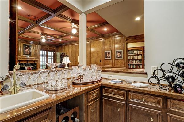 Luxury real estate Refined country living in The Town With a Heart