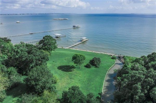 Luxury homes six-plus waterfront acres