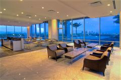 Luxury homes Spacious home offers Amazing sunset views