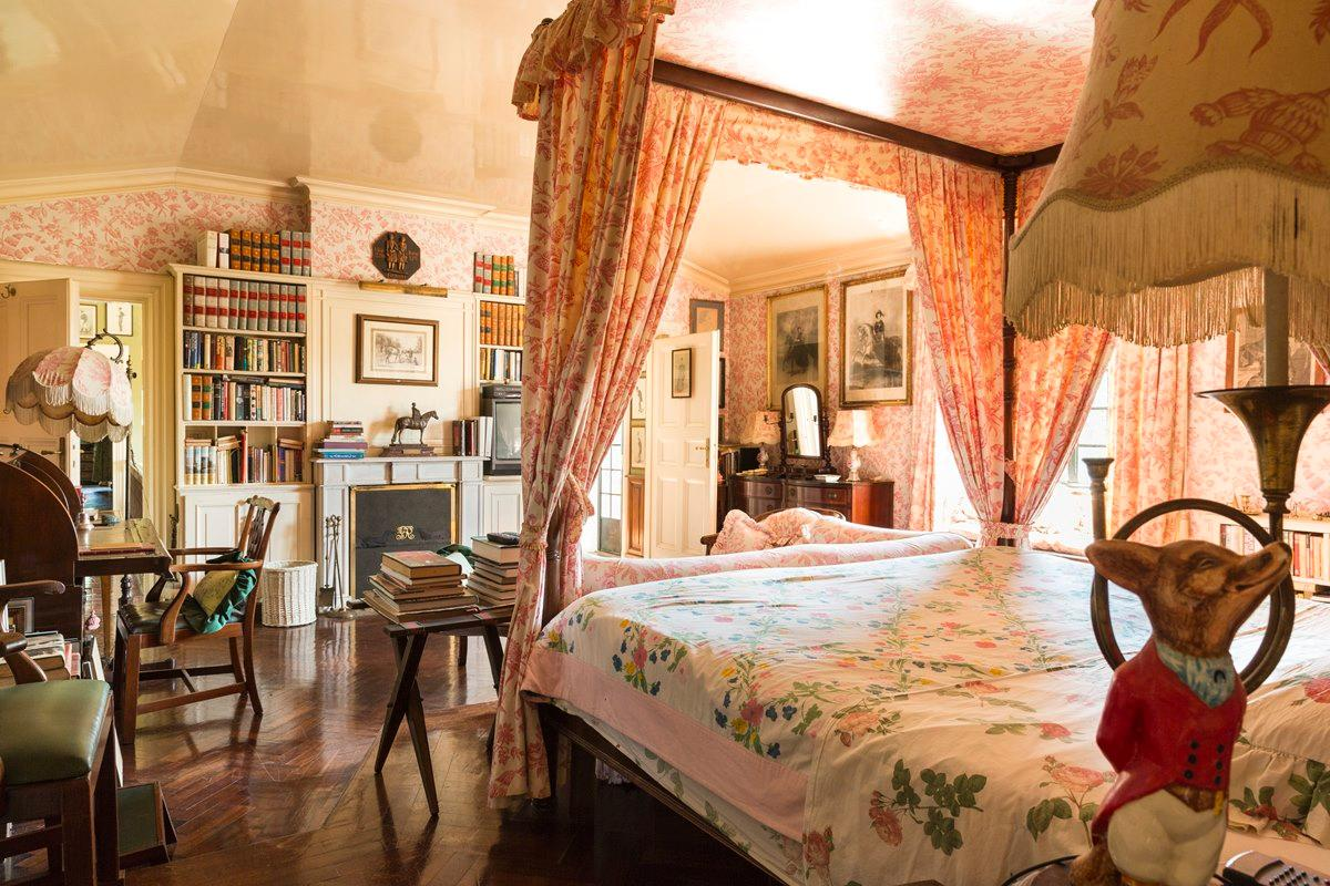 Prestigious villa in Olgiata area in Rome luxury properties