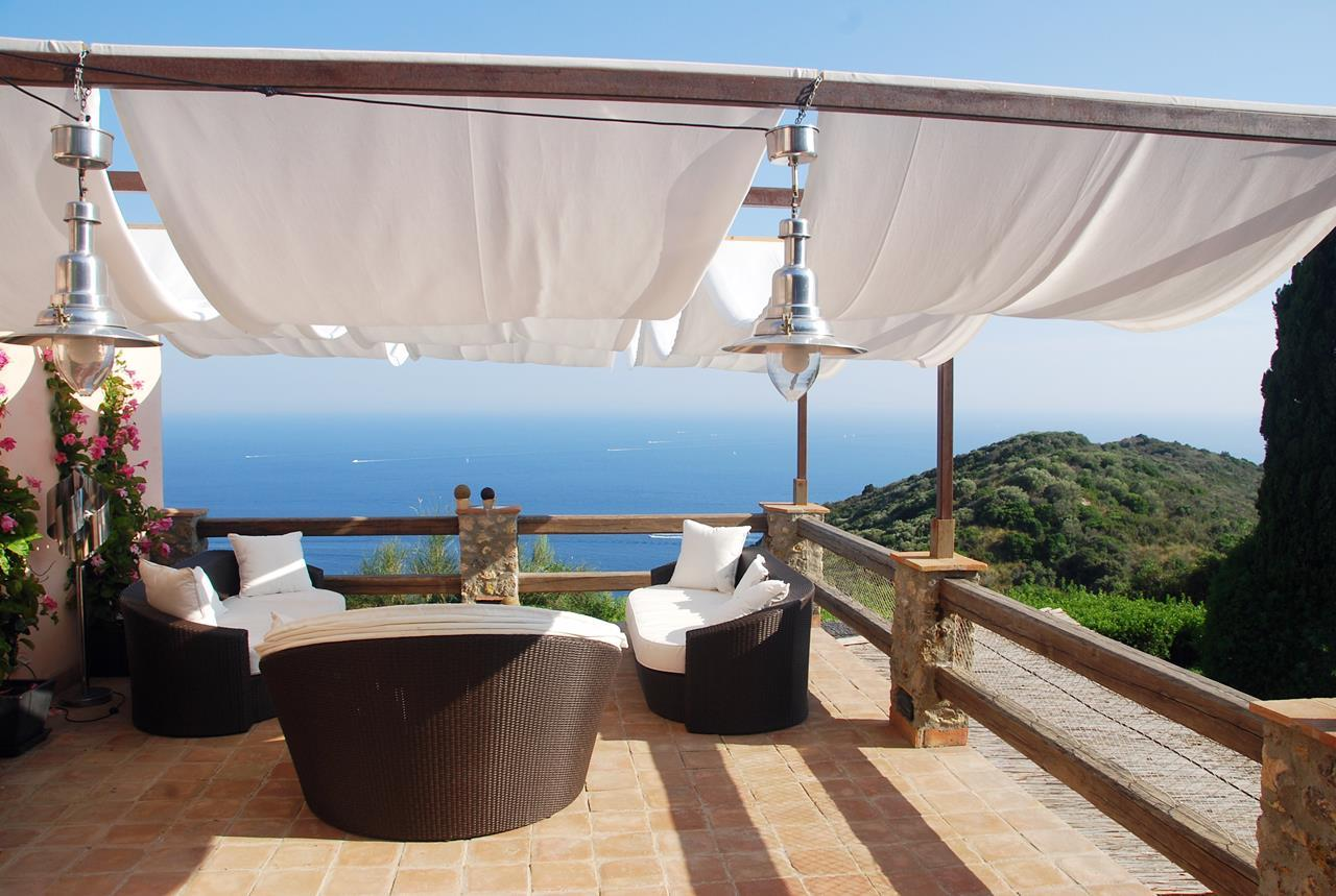 Luxury real estate Villa with broad garden and pool overlooking the sea in Argentario