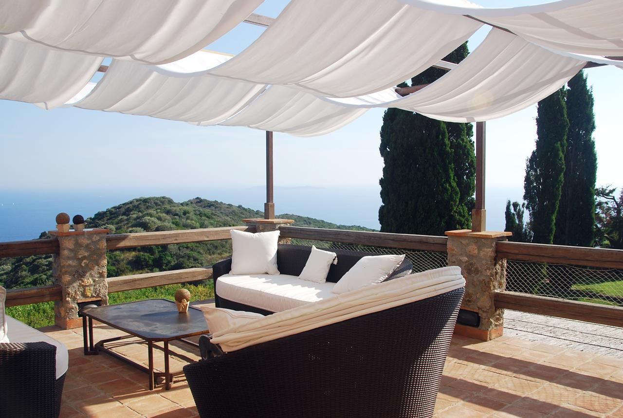Villa with broad garden and pool overlooking the sea in Argentario luxury properties
