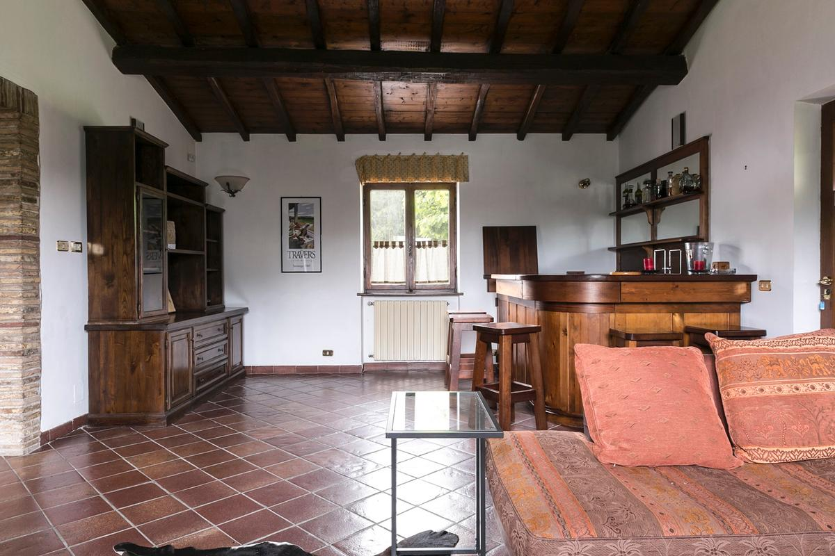 Villa on the Ancient Appian Way in Rome luxury properties