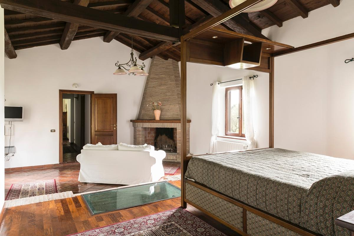 Luxury homes Villa on the Ancient Appian Way in Rome
