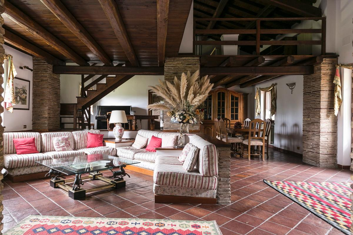 EXCLUSIVE ESTATE ON THE ANCIENT APPIAN WAY | Italy Luxury ...