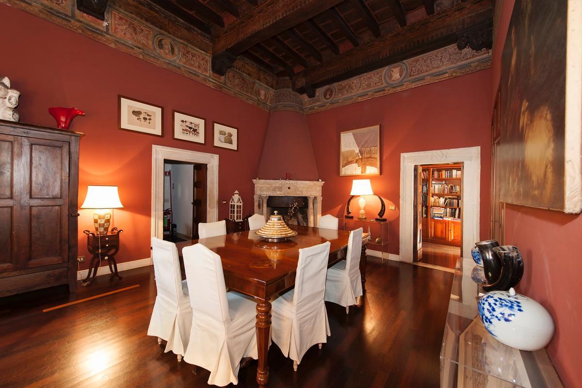 Prestigious historic Palace in Trastevere - Rome mansions