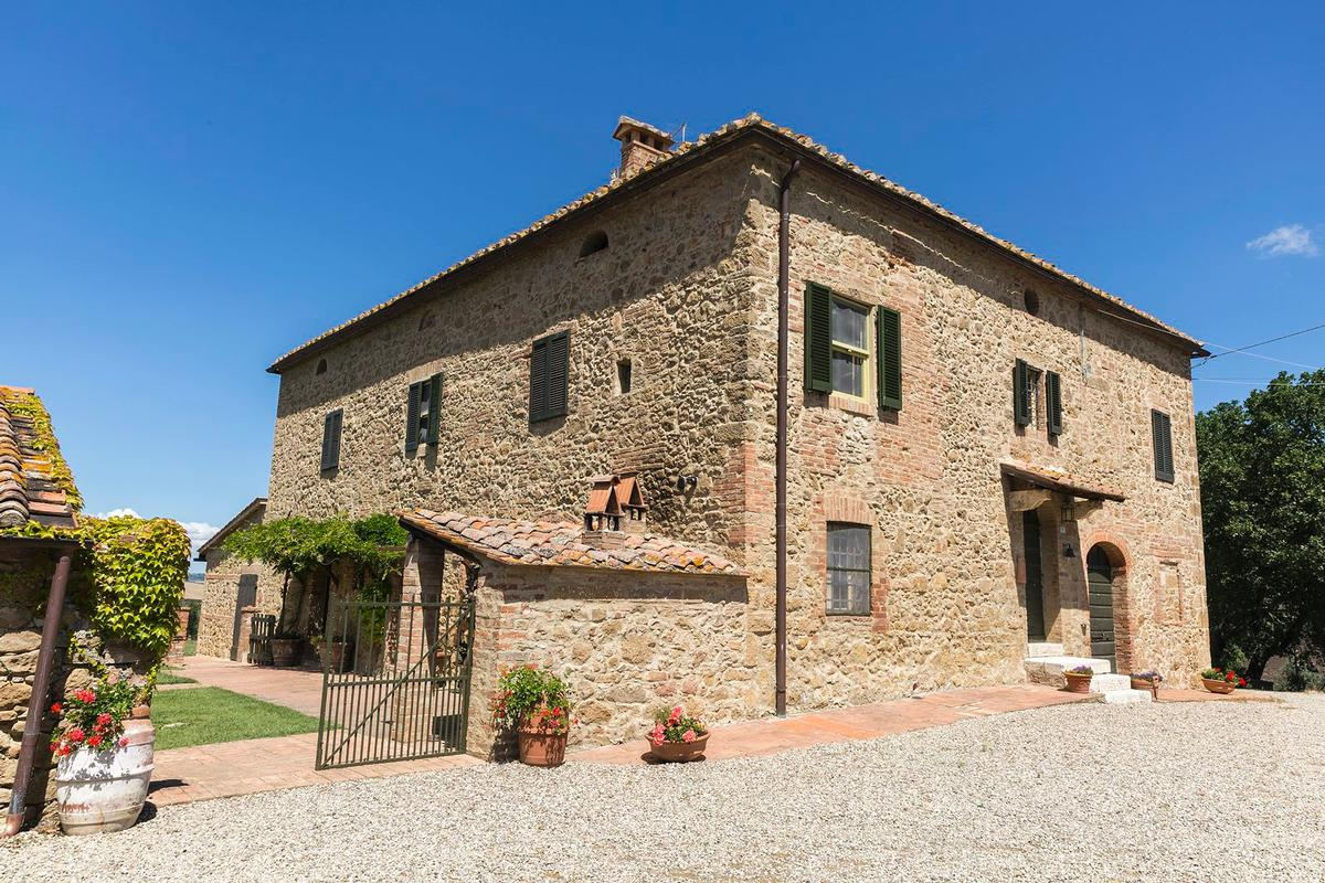 Beautiful farmhouse in Val dOrcia - Tuscany luxury real estate