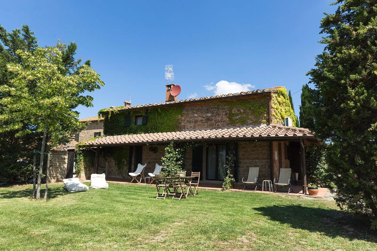 Mansions Beautiful farmhouse in Val dOrcia - Tuscany