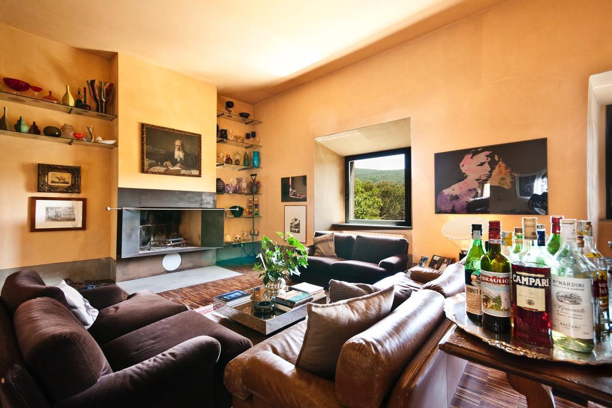 Luxury properties PRESTIGIOUS ESTATE WITH ABBEY AND FARMHOUSES