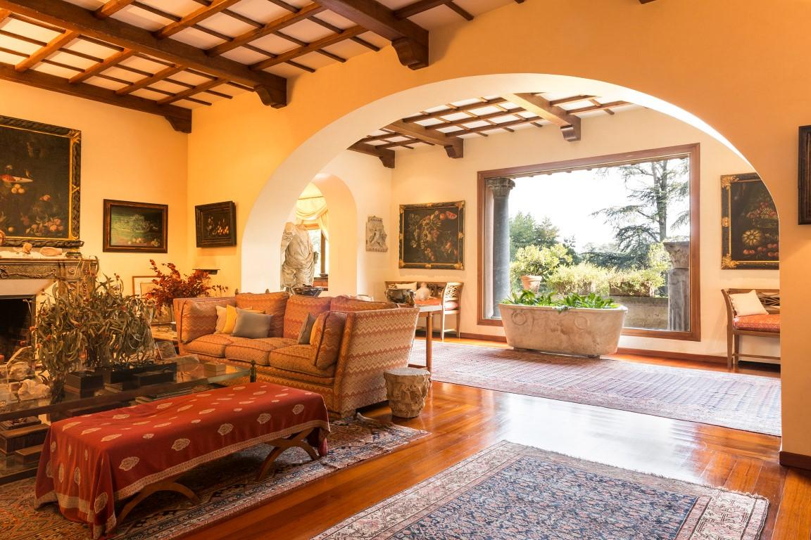 Exclusive Estate On The Ancient Appian Way Italy Luxury