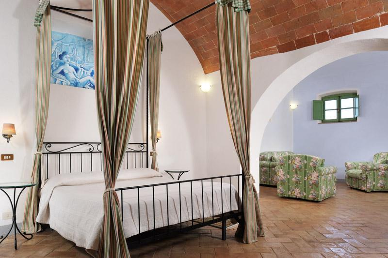 PRESTIGIOUS HAMLET IN ASCIANO - TUSCANY luxury properties