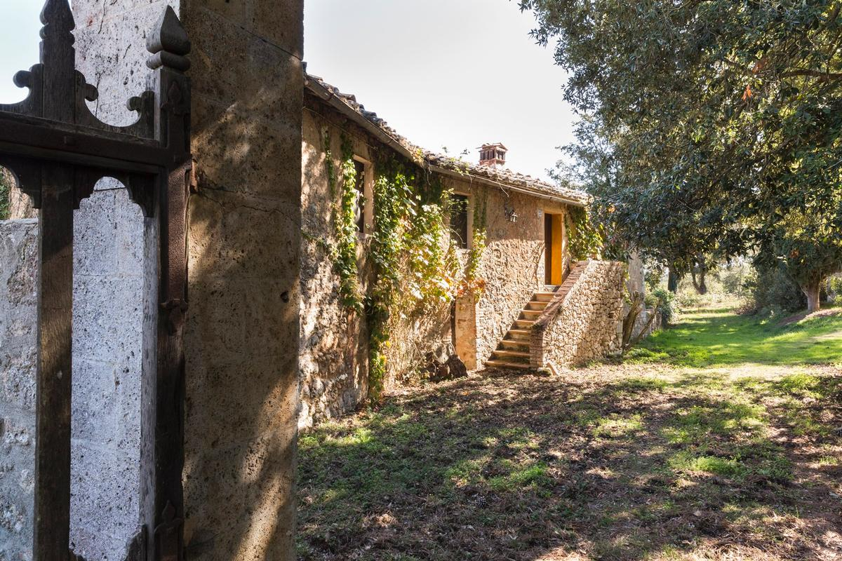 Luxury homes CHARMING ESTATE ON THE HILLS OF SIENA - TUSCANY