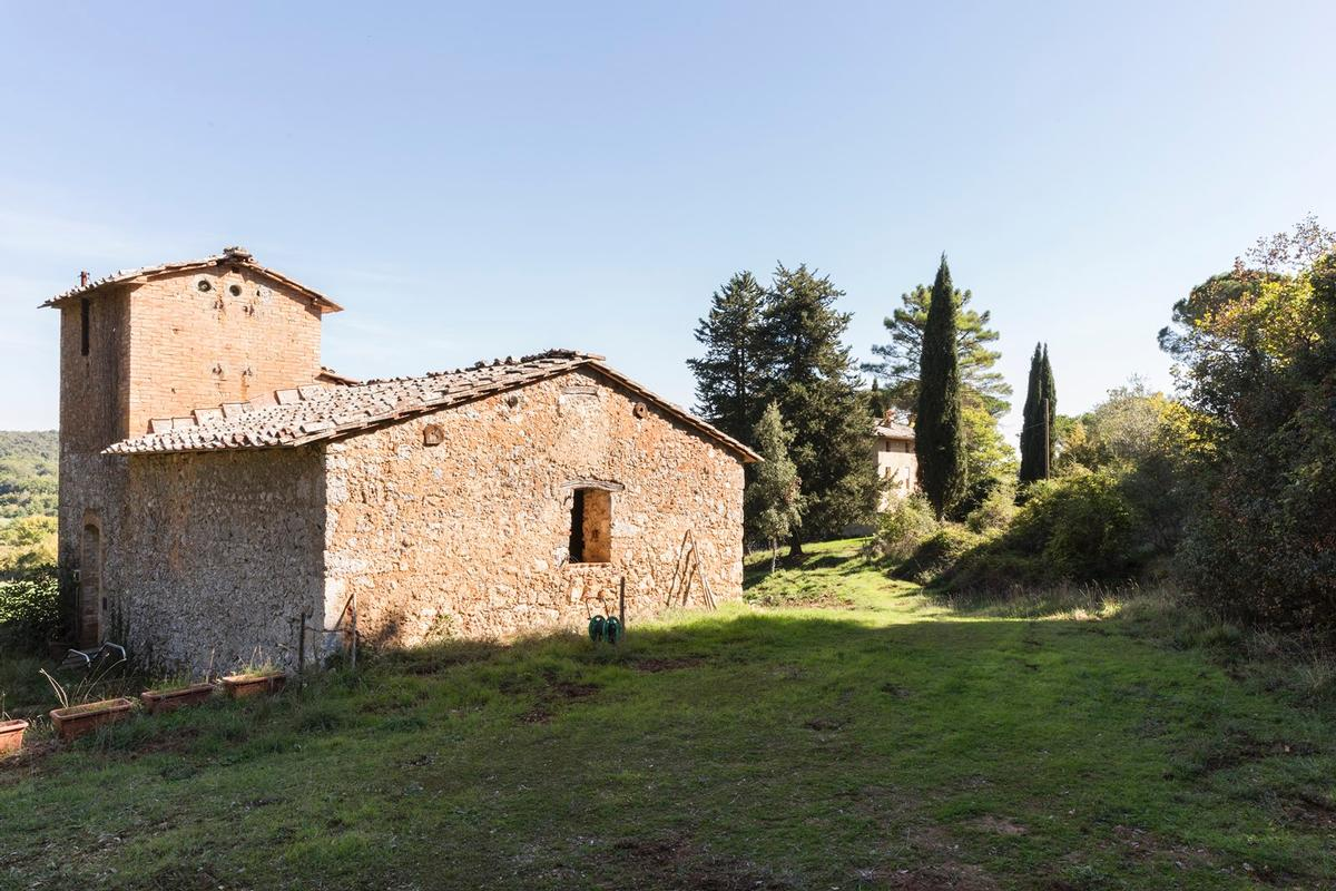 CHARMING ESTATE ON THE HILLS OF SIENA - TUSCANY mansions