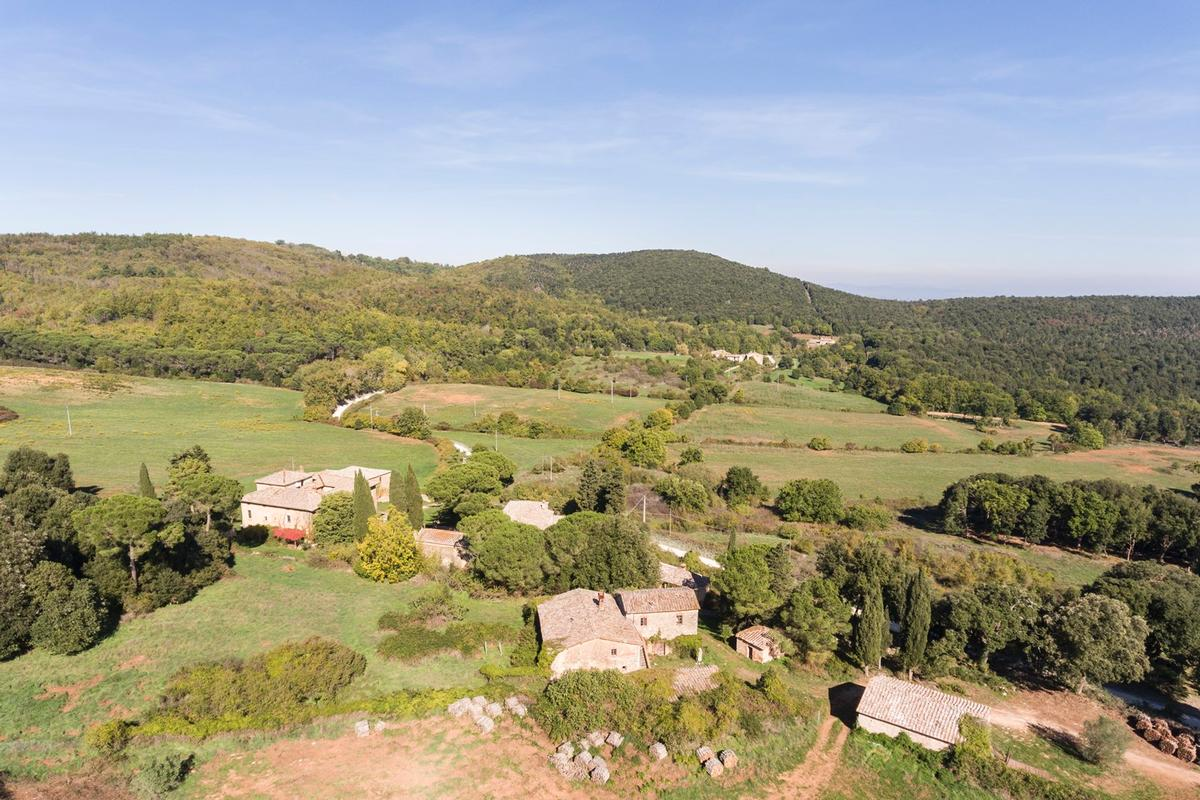 Mansions in CHARMING ESTATE ON THE HILLS OF SIENA - TUSCANY