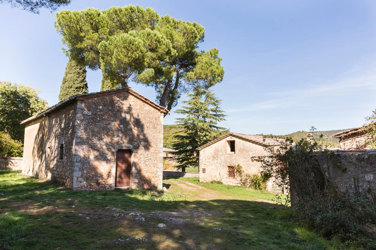 CHARMING ESTATE ON THE HILLS OF SIENA - TUSCANY luxury properties