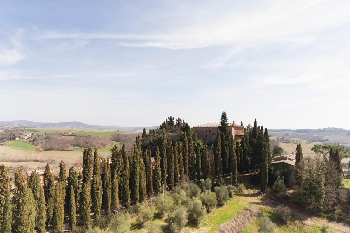 PRESTIGIOUS AGRICULTURAL ESTATE IN TUSCANY mansions