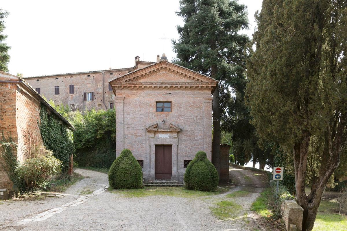 Luxury real estate PRESTIGIOUS AGRICULTURAL ESTATE IN TUSCANY
