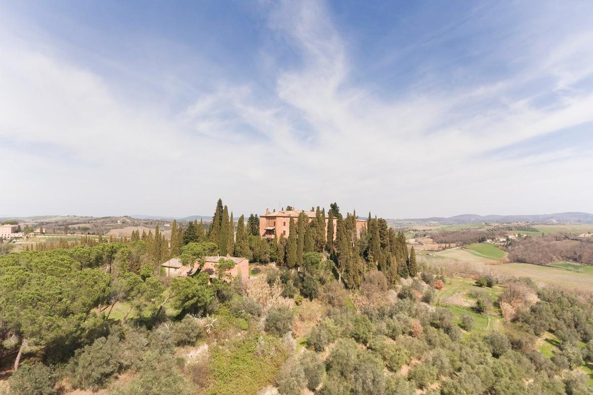 Luxury homes PRESTIGIOUS AGRICULTURAL ESTATE IN TUSCANY