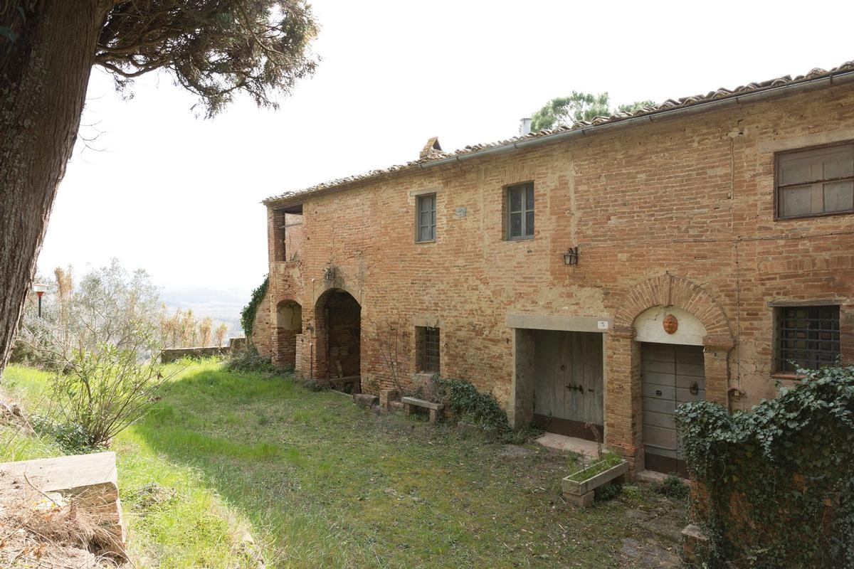 Mansions PRESTIGIOUS AGRICULTURAL ESTATE IN TUSCANY