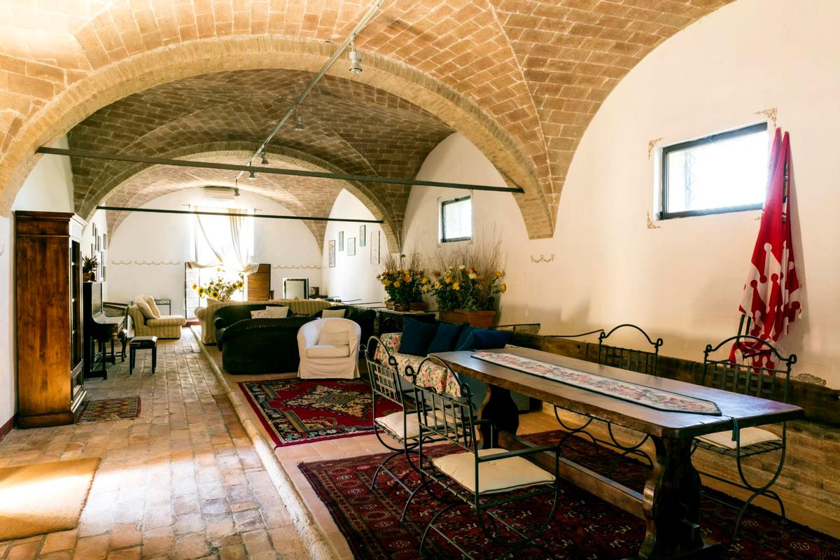 PRESTIGIOUS tuscany MANOR  luxury properties