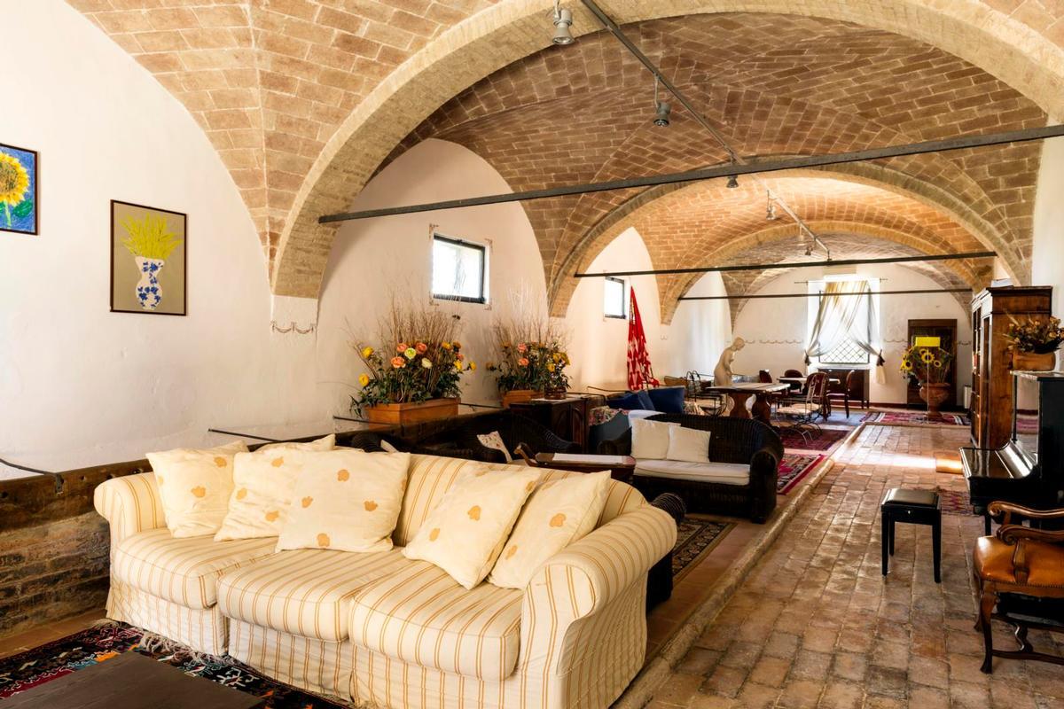 PRESTIGIOUS tuscany MANOR  mansions