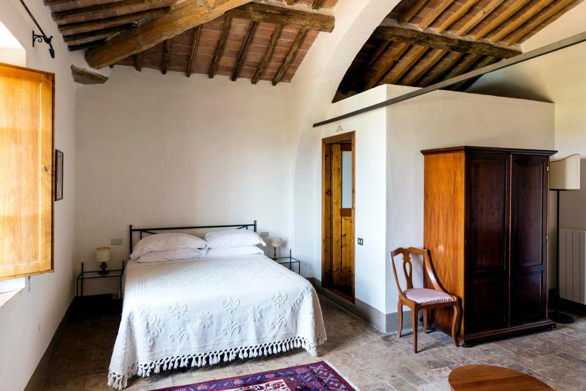 PRESTIGIOUS tuscany MANOR  luxury homes