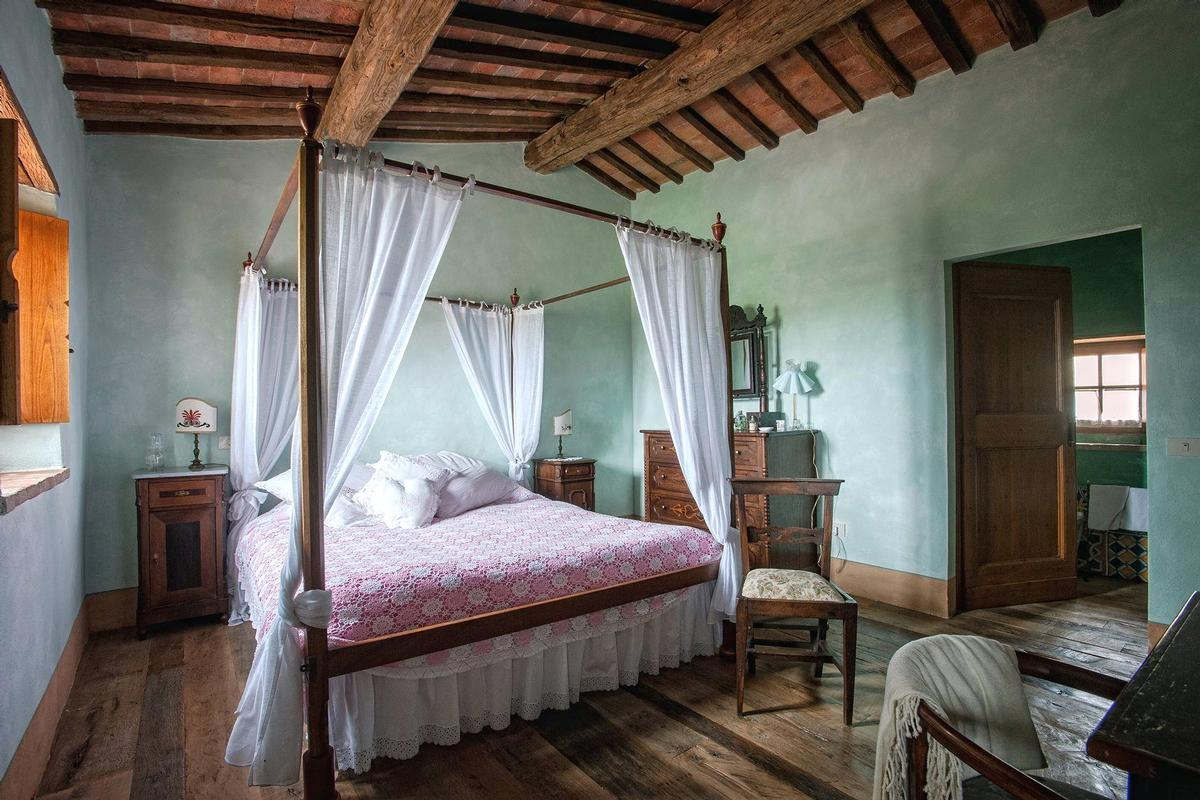 Mansions in PRESTIGIOUS RENOVATED FARMHOUSE IN PIENZA