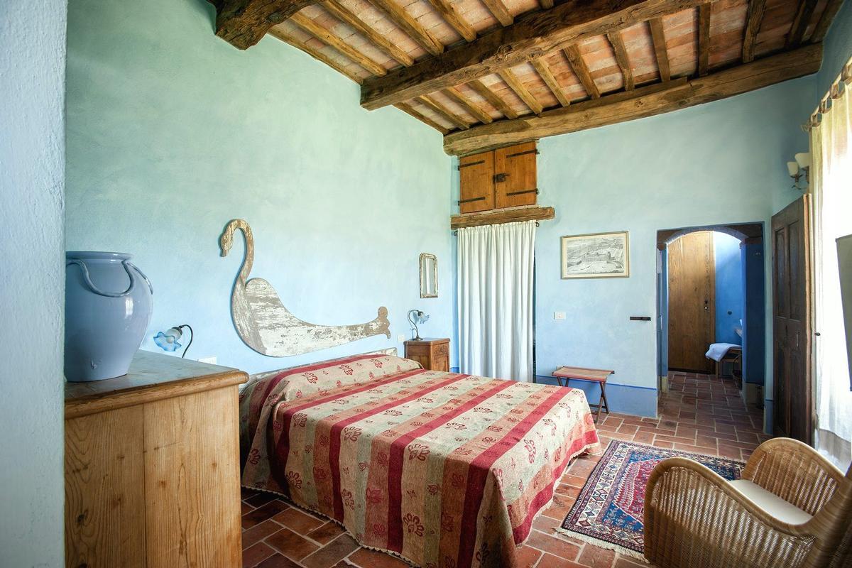 Luxury homes PRESTIGIOUS RENOVATED FARMHOUSE IN PIENZA
