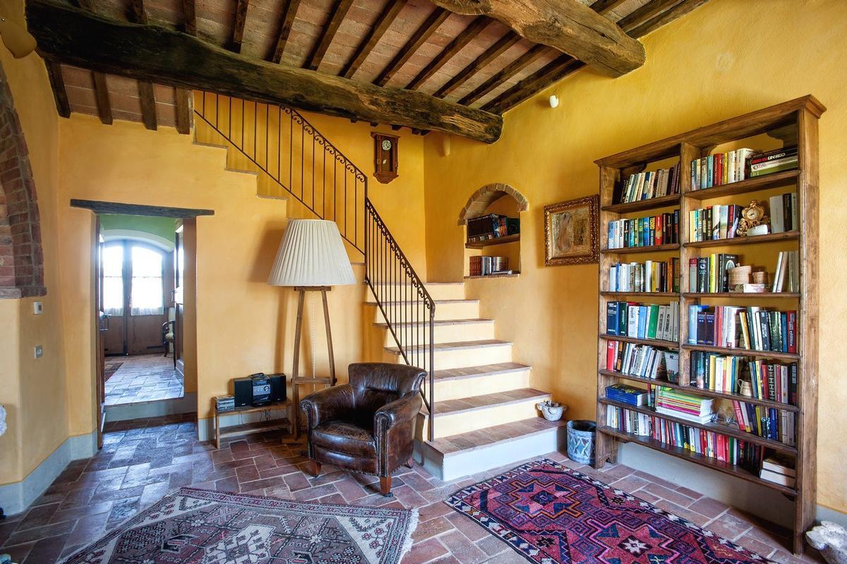 Luxury properties PRESTIGIOUS RENOVATED FARMHOUSE IN PIENZA