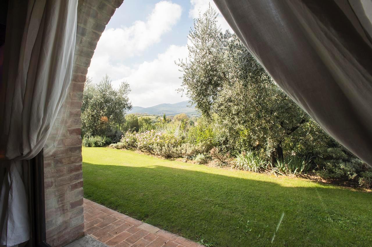 Luxury homes PRESTIGIOUS FARMHOUSE IN CETONA - TUSCANY