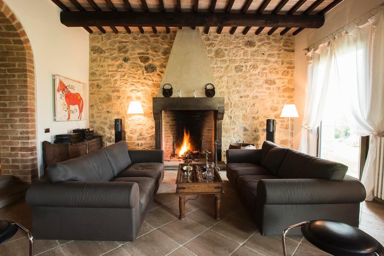 Luxury real estate PRESTIGIOUS FARMHOUSE IN CETONA - TUSCANY
