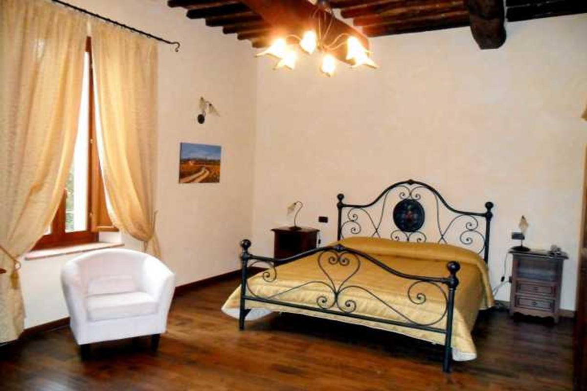 Luxury properties 4-STAR RESORT IN VAL DI CHIANA - TUSCANY