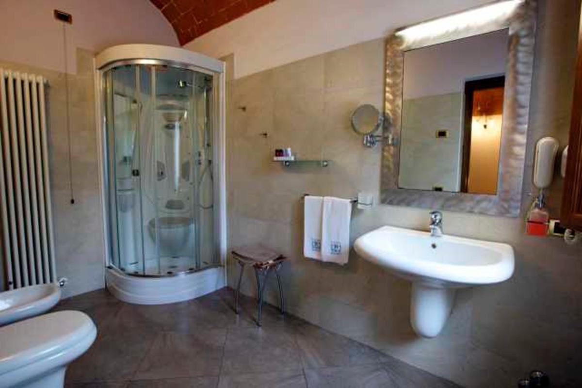 4-STAR RESORT IN VAL DI CHIANA - TUSCANY mansions
