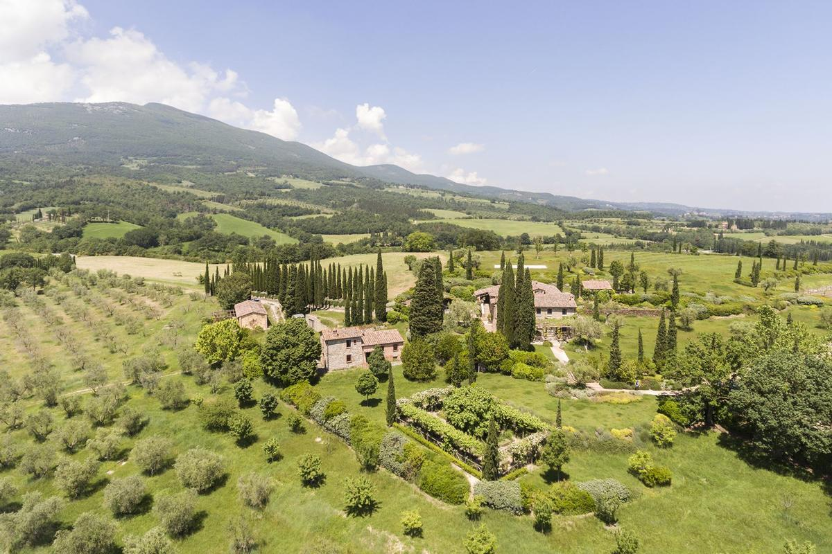 Prestigious Estate in Cetona - Tuscany luxury real estate