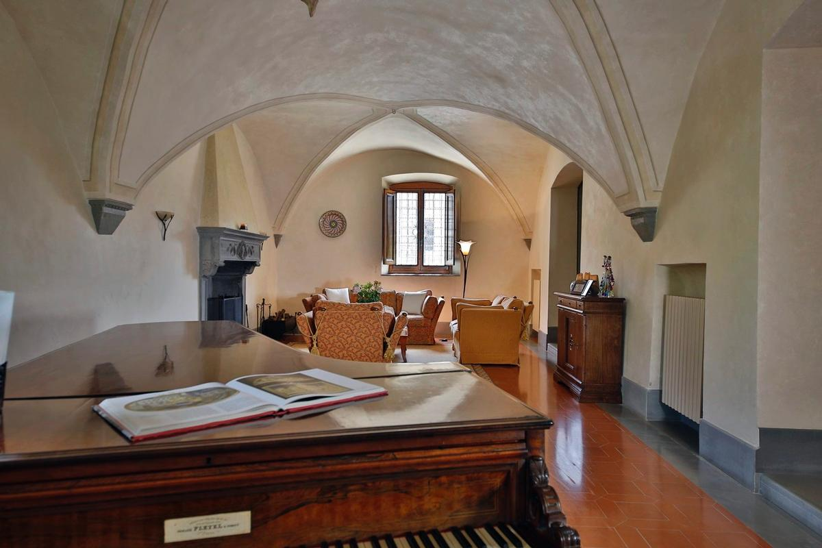 CHARMING ESTATE WITH HISTORIC VILLA - TUSCANY luxury properties