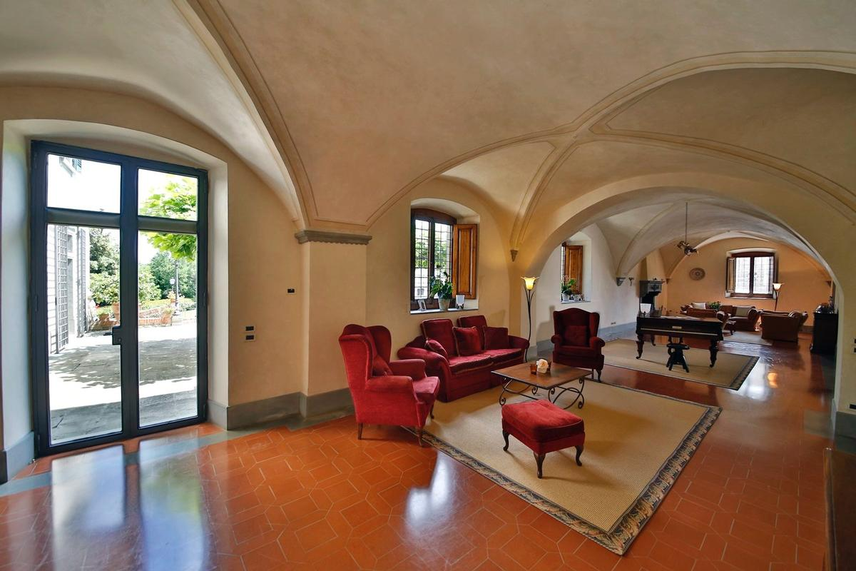 Mansions CHARMING ESTATE WITH HISTORIC VILLA - TUSCANY