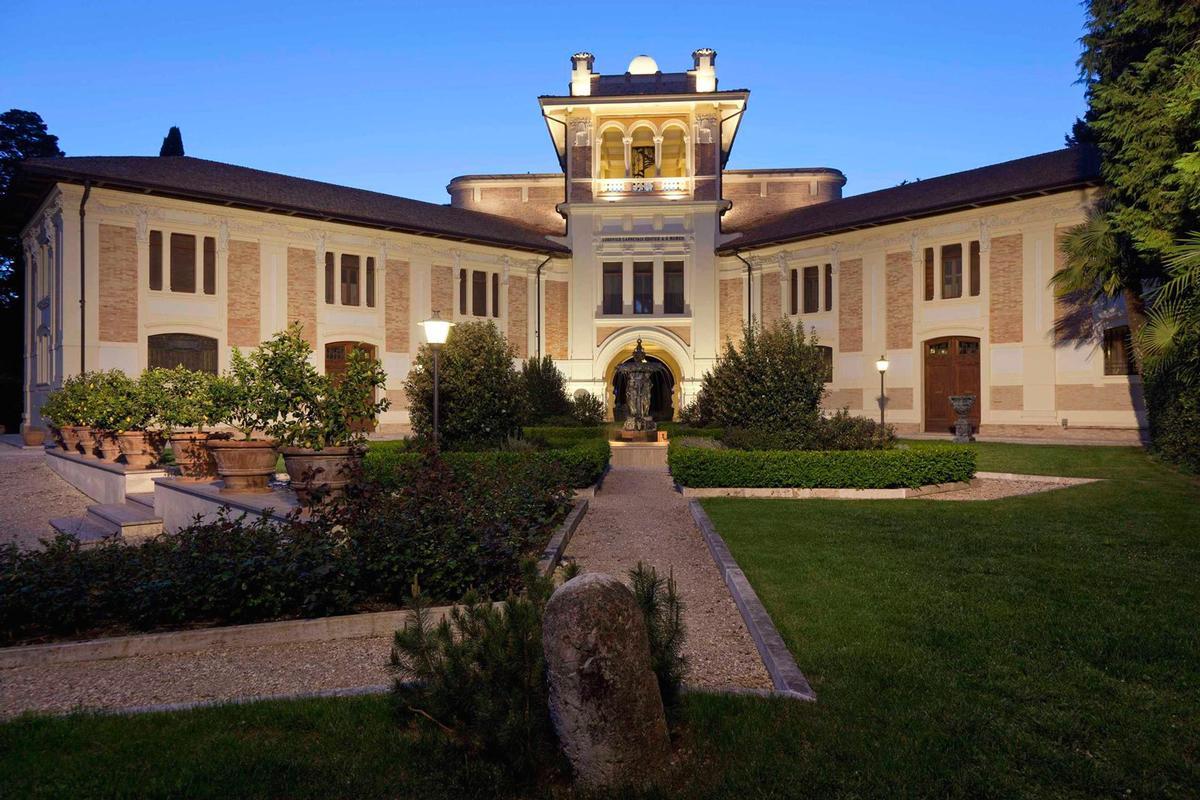 MAGNIFICENT LIBERTY VILLA IN TREIA - MARCHE mansions