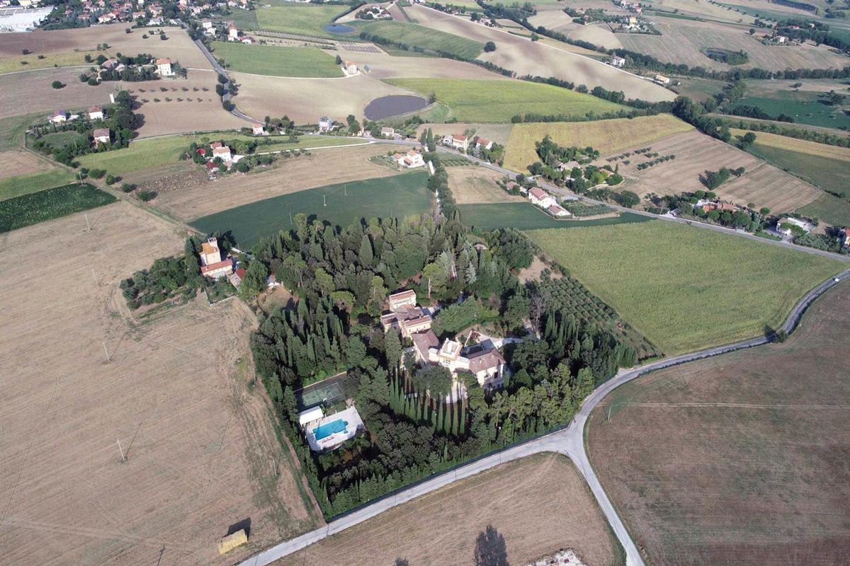 MAGNIFICENT LIBERTY VILLA IN TREIA - MARCHE luxury properties