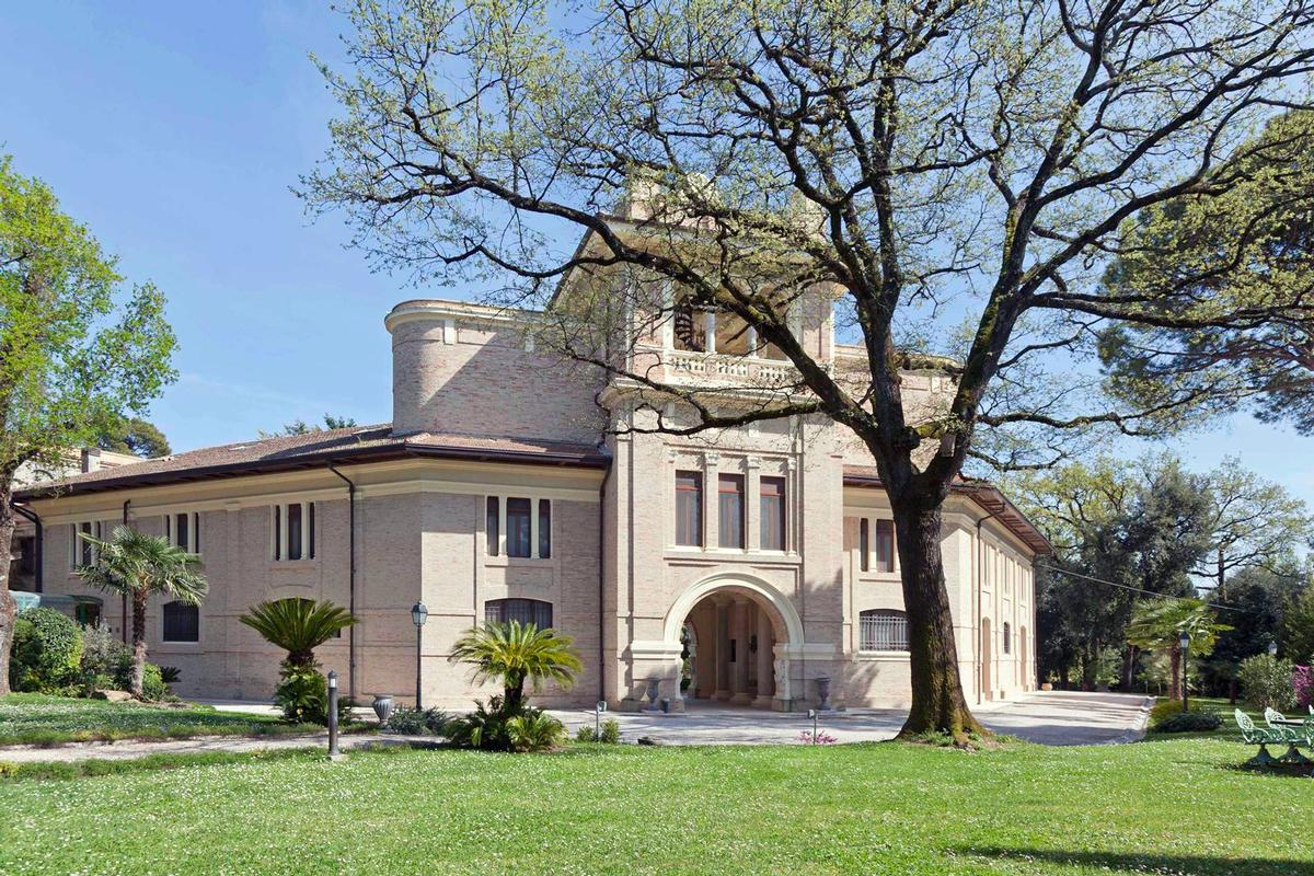 Mansions MAGNIFICENT LIBERTY VILLA IN TREIA - MARCHE