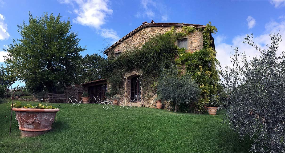 FARMHOUSE WITH POOL IN CHIANTISHIRE - TUSCANY mansions